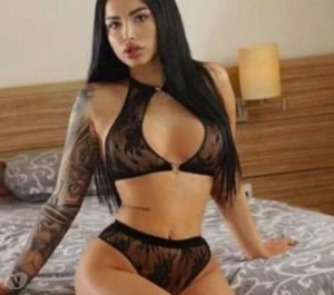 Heda massage escorts Indio, CA