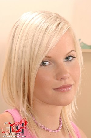 Laure-anna queen women classified ads Chester